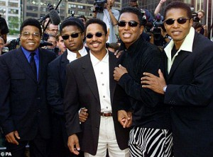 (from left) Tito,Randy, Marlon, Jermaine and Jackie